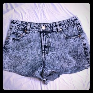 Refuge Acid Wash Jean Shorts size 8